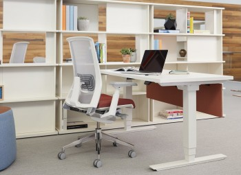 Haworth Hop Height Adjustable Table